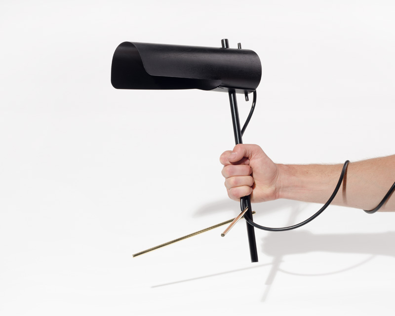 flight-lamp-black-hand